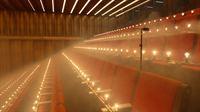 Glühbirnen simulieren die Körperwärme der Konzertbesucher. © Caverion GmbH
