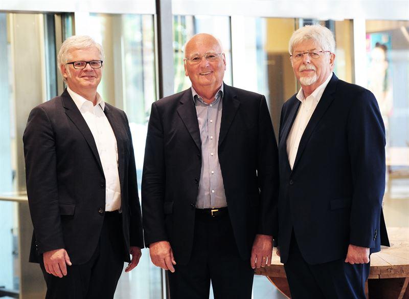 Foto Der neue Aufsichtsrat der ATTENTIUM AG vl HansJoachim Bcking Volker Bernstorff und Ernst Schwanhold