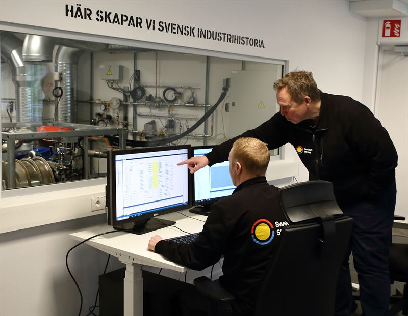 CEO Gunnar Larsson and technician Filip Franzn in Swedish Stirlings new Stirling laboratory