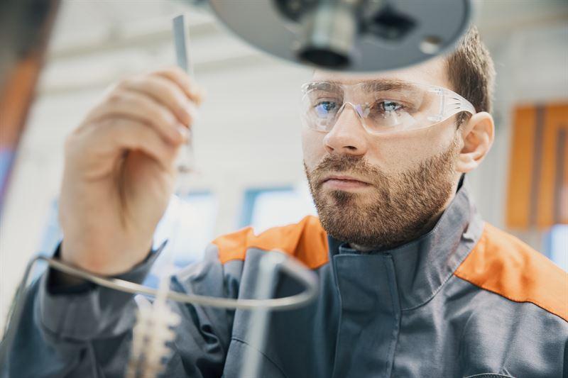 Researching cleaner propulsion alternatives is an important part of Wärtsilä's development programme. In the image Wärtsilä's Fuel Laboratory where future sustainable fuels are researched. © Wärtsilä