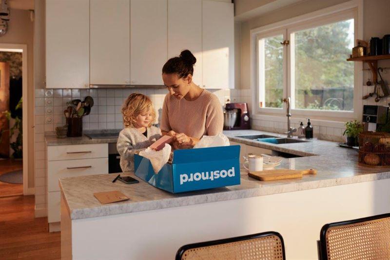 PostNord Family blue parcel