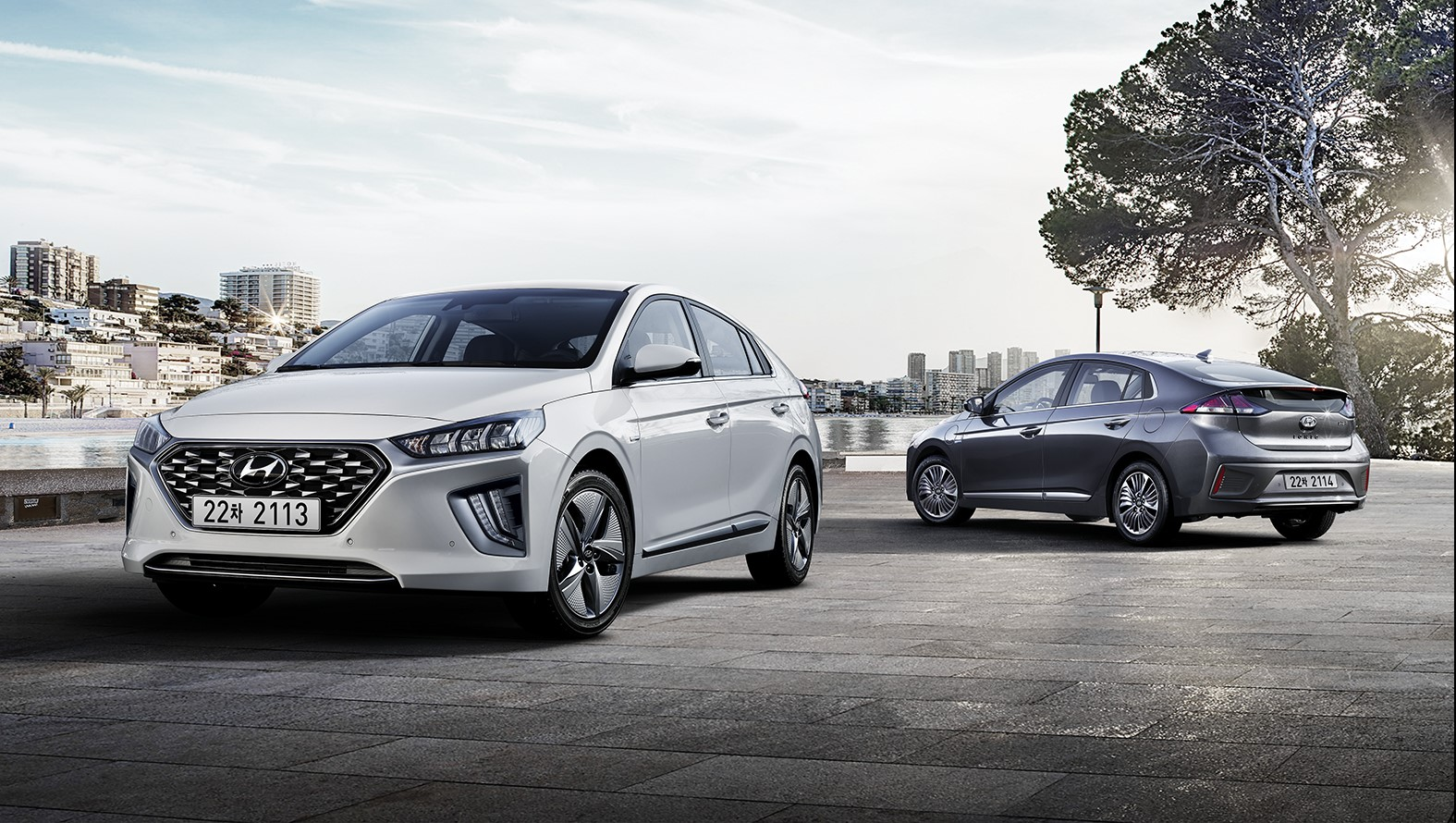 While many other manufacturers announce their first-ever eco-friendly models, Hyundai Motor is already launching a heavily revised model of its ...