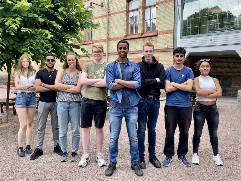 Ngra av 2020 rs Frndringsagenter tillsammans med sina handledare Foto Frebildarna
