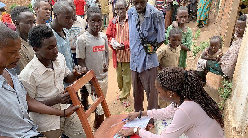 Long queue to apply for housing in Kabonga Burundi