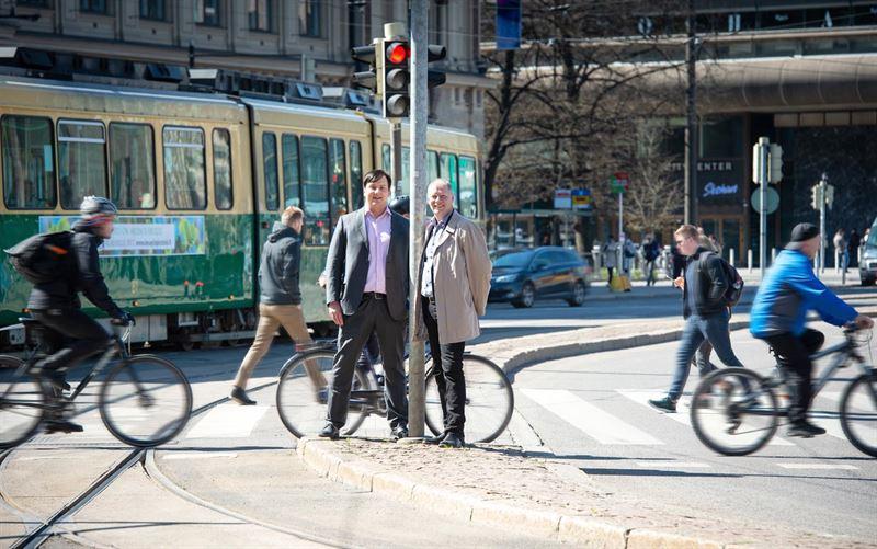 JukkaPekka Pitknen Global Division Director Smart mobility p Ramboll och Markku Kivari vd p Strafica