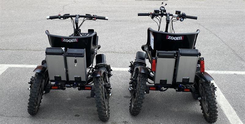 Två generationer av Zoom Uphill