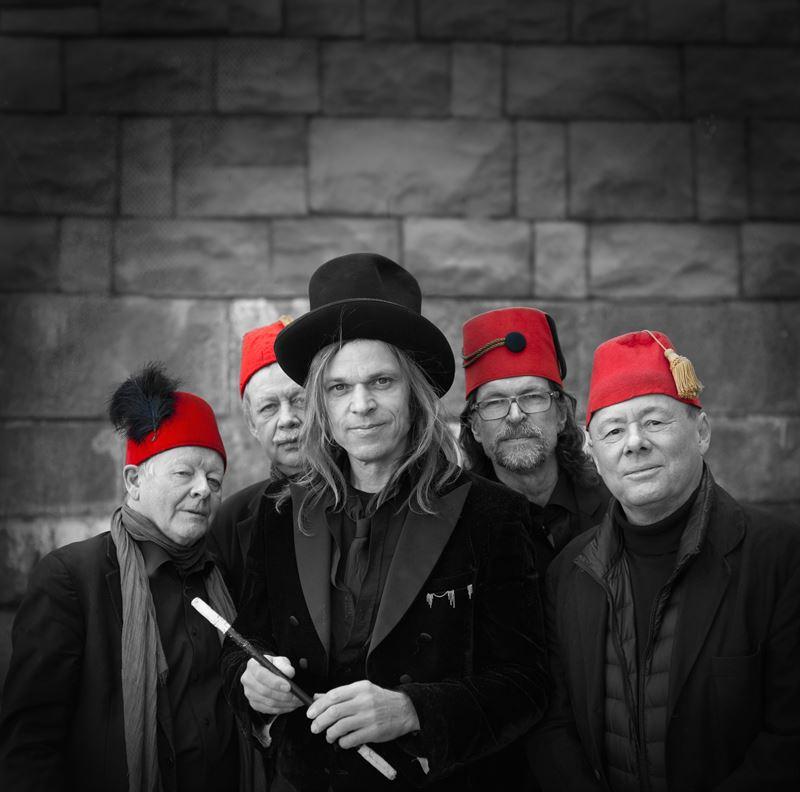 CarlEinar Hckner med Varietorkestern Foto Peo Olsson