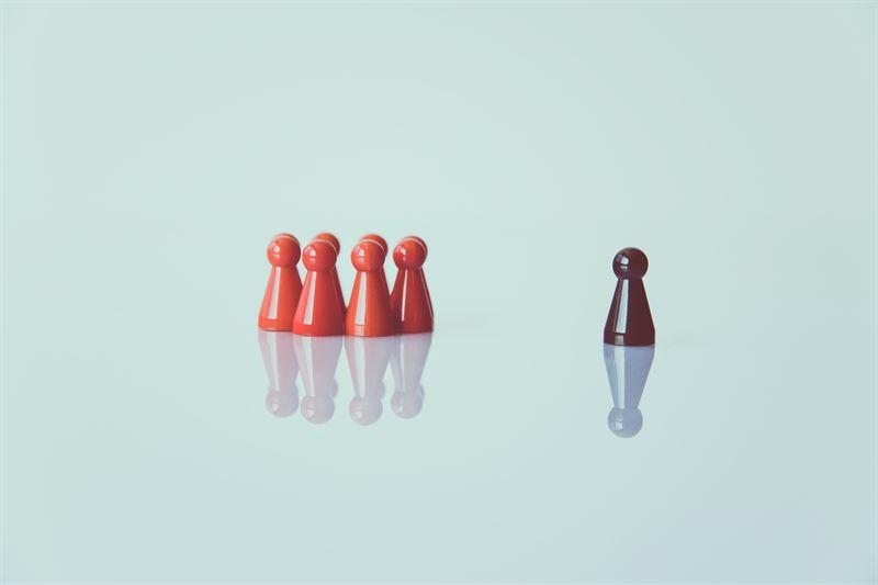 pjser i grupp och en ifrn ledarskap