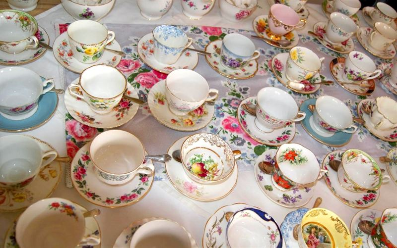 Tv Doctor Christian Jessen And Mp Sharon Hodgson Are Calling On People Across The Uk To Make Time For Tea To Raise Money For The Eve Appeal The Eve Appeal