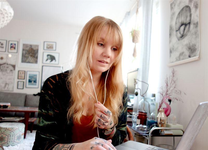 Emelie Gårdeler, kommunikatör, en av alla de som ringer till medlemmar.