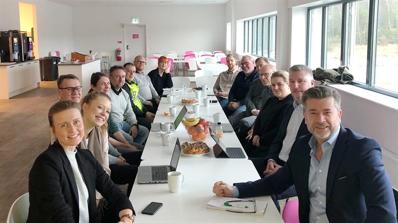 Torbjrn Kvarefelt Fretagslots p Business Region Gteborg och samarbetspartners sitter i mte