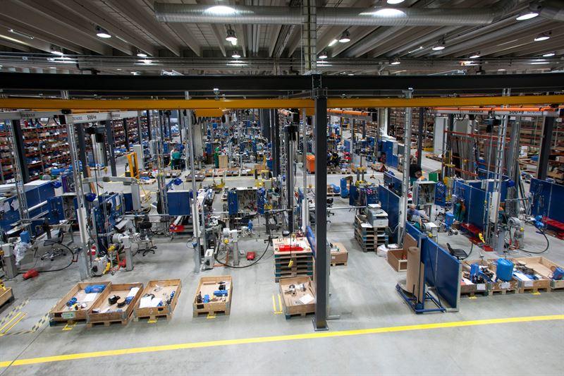 Kuvateksti Hakkila on yksi Neleksen trkeimmist teknologiakeskuksista  Hakkilan tehdas otettiin kyttn 2011