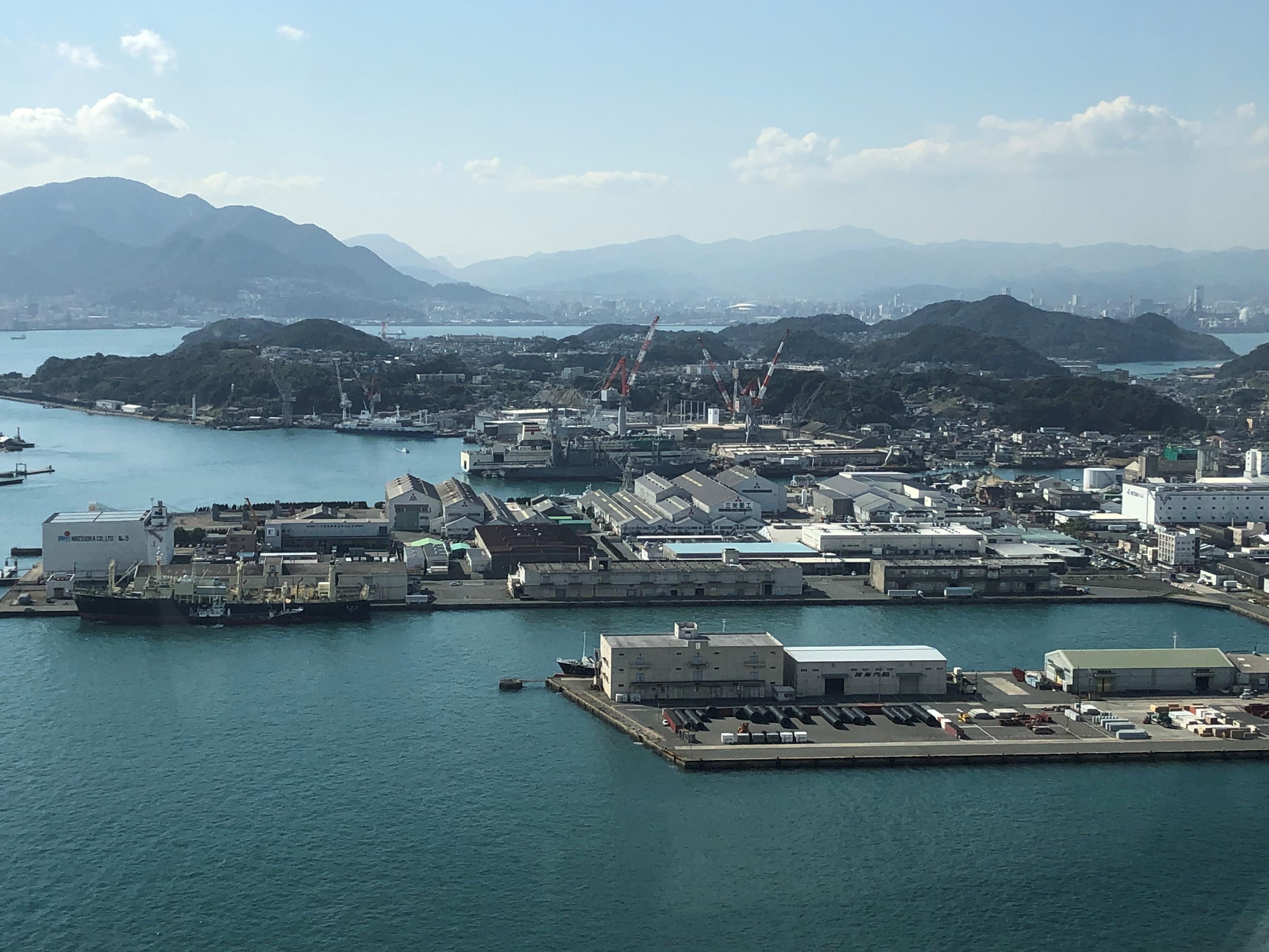 Mitsubishi Shipbuilding Co., Ltd. Shimonosekin telakka, jossa laivat varustetaan Valmetin rikkipesurein, sijaitsee Kanmonin salmessa Japanissa.