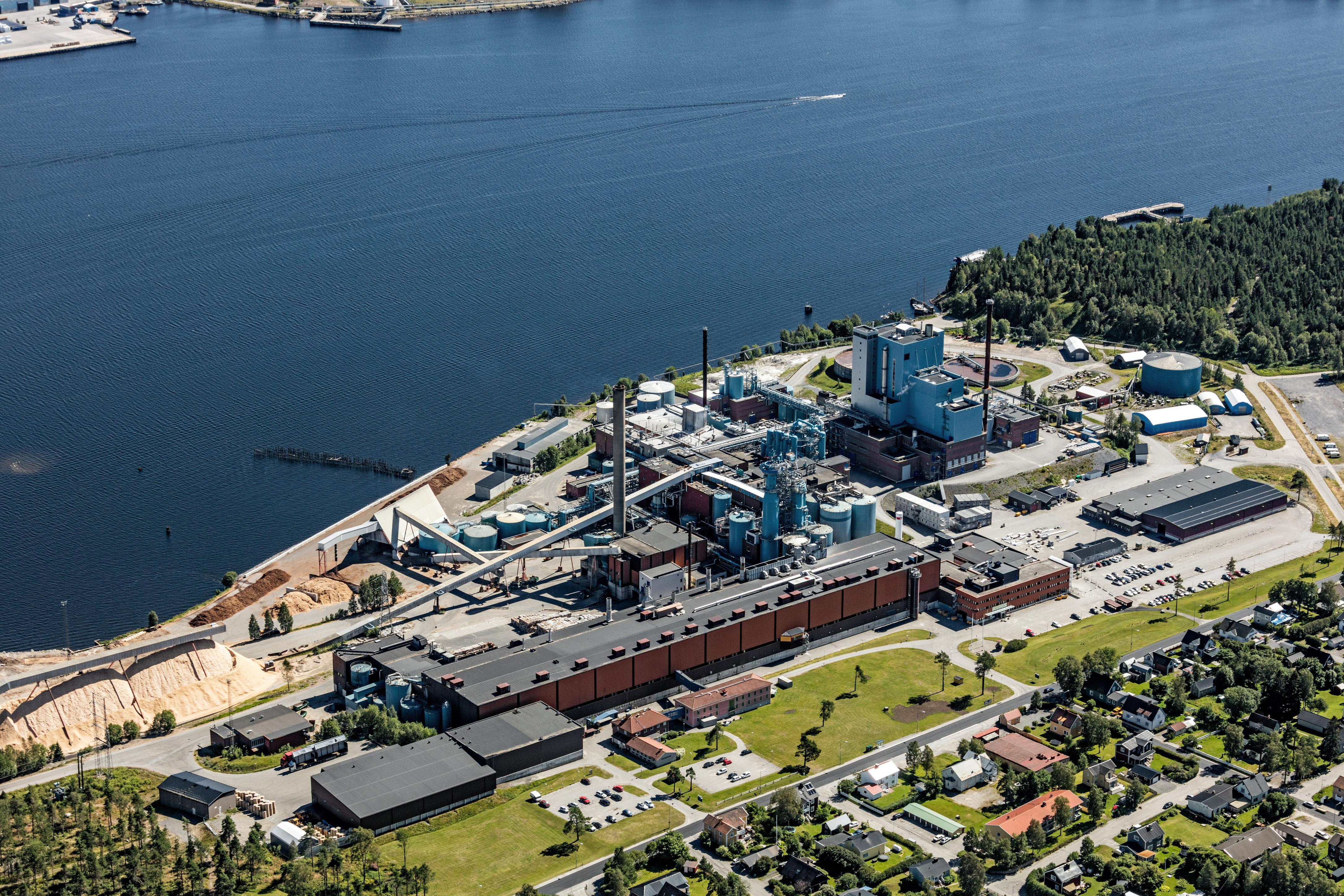 Valmet toimittaa keskeistä selluteknologiaa SCA:n Obbolan tehtaan uuden kraftlainerikoneen tuotannon kasvattamiseen. (Kuva: SCA/Bergslagsbild)