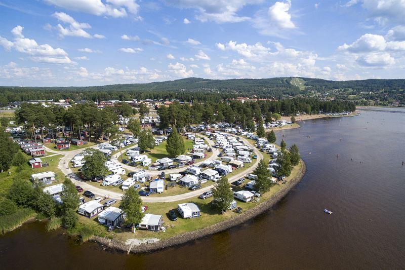 United Camping-koncernen når över 50 procents ägande i Grönklittsgruppen AB (publ)
