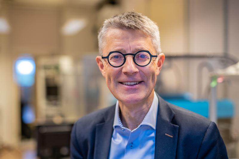 Fredrik Elinder professor i molekylr neurobiologi vid Institutionen fr biomedicinska och kliniska vetenskaper vid Linkpings universitet