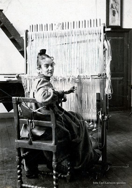 Karin Larsson vid vvstolen