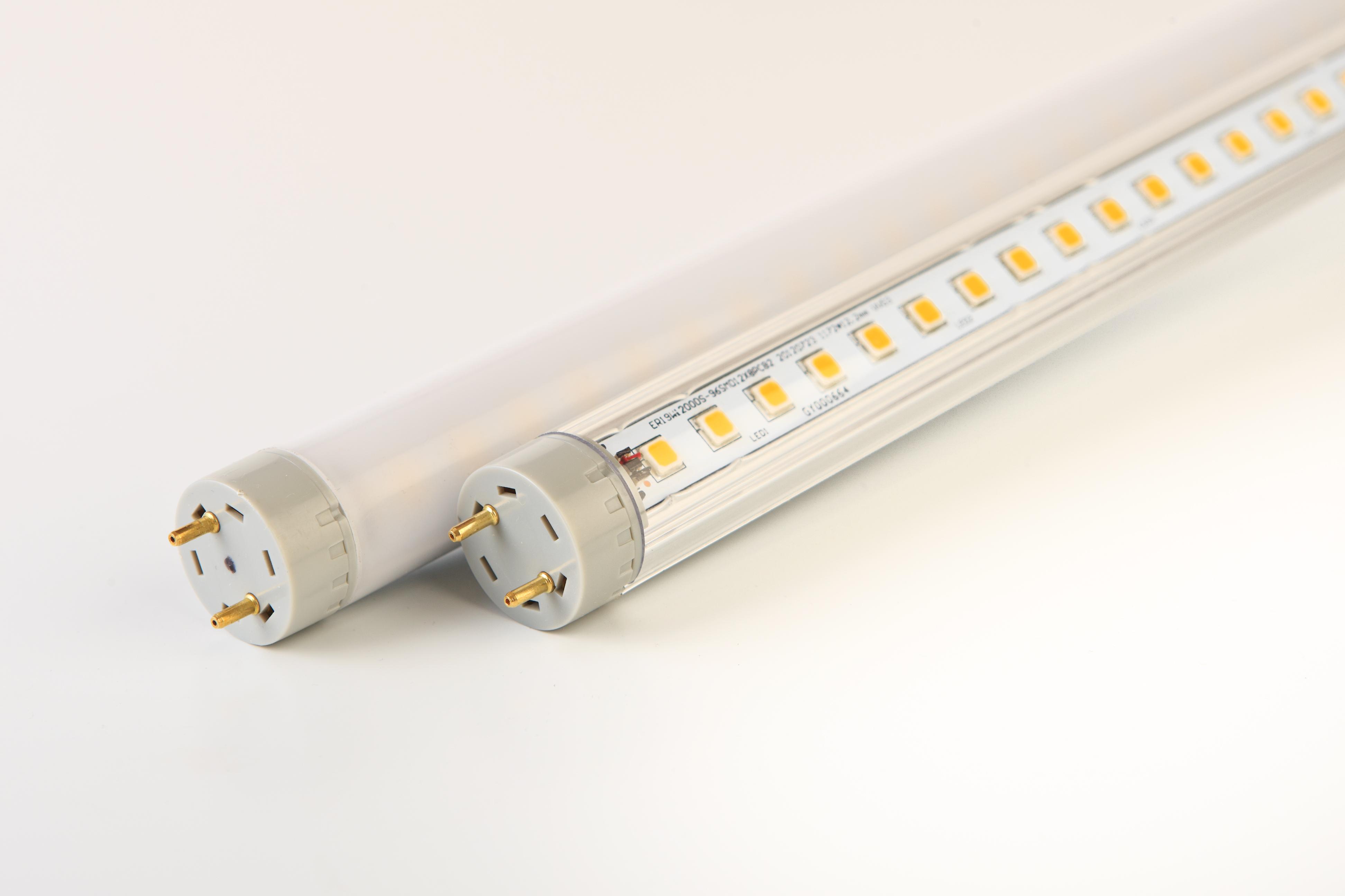 Ungdommelige G3 LED-lysrør med klar overflate - Valtavalo RH39