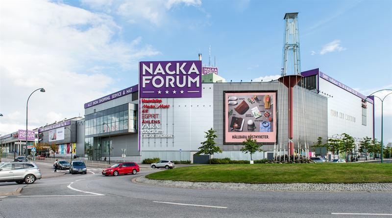 nacka forum öppettider
