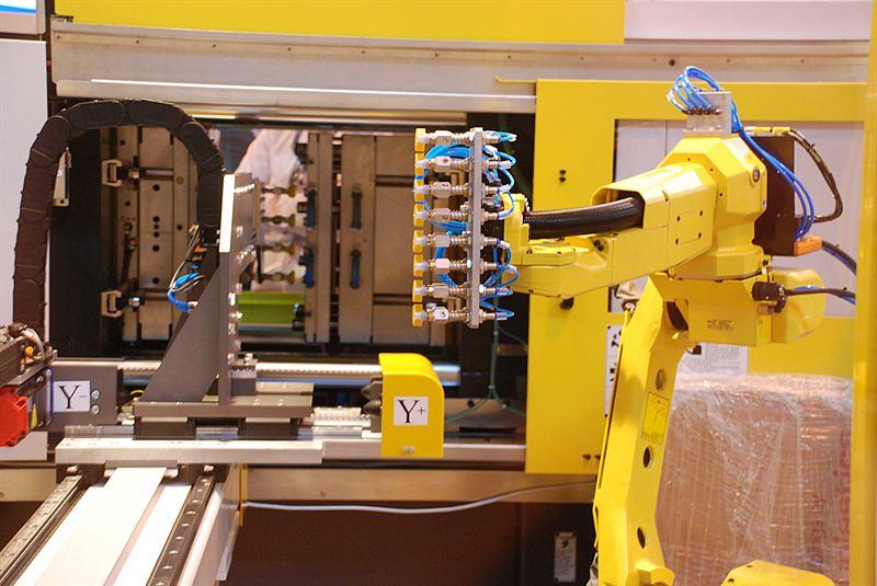 Hi-Tech Automation shows versatile machine-build options and