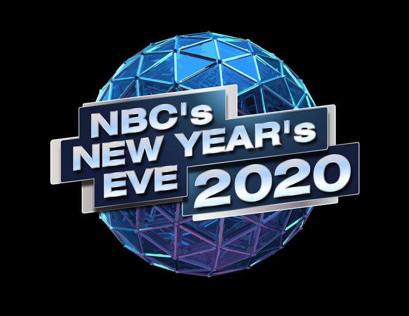 Nbc S New Year S Eve 2020 Hosts Carson Daly And Julianne