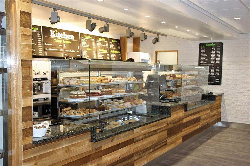 moffat u2019s flat glass display helps boost food sales