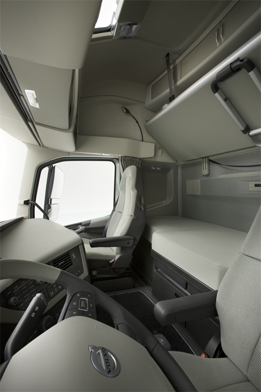 The interior of the new Volvo FH - Volvo Trucks