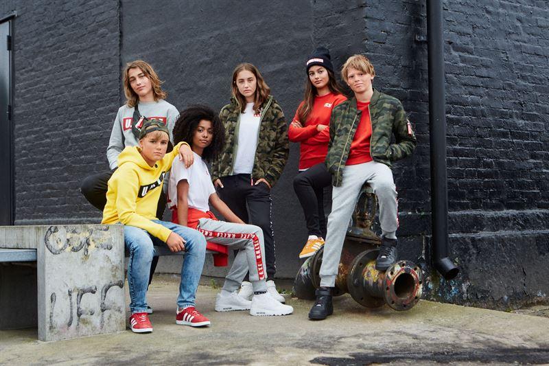 557ddc831c45 Streetsmart mode som förenar tjejer och killar - UNITE, KAPPAHLS NYA  UNISEXKOLLEKTION FÖR ALLA BARN