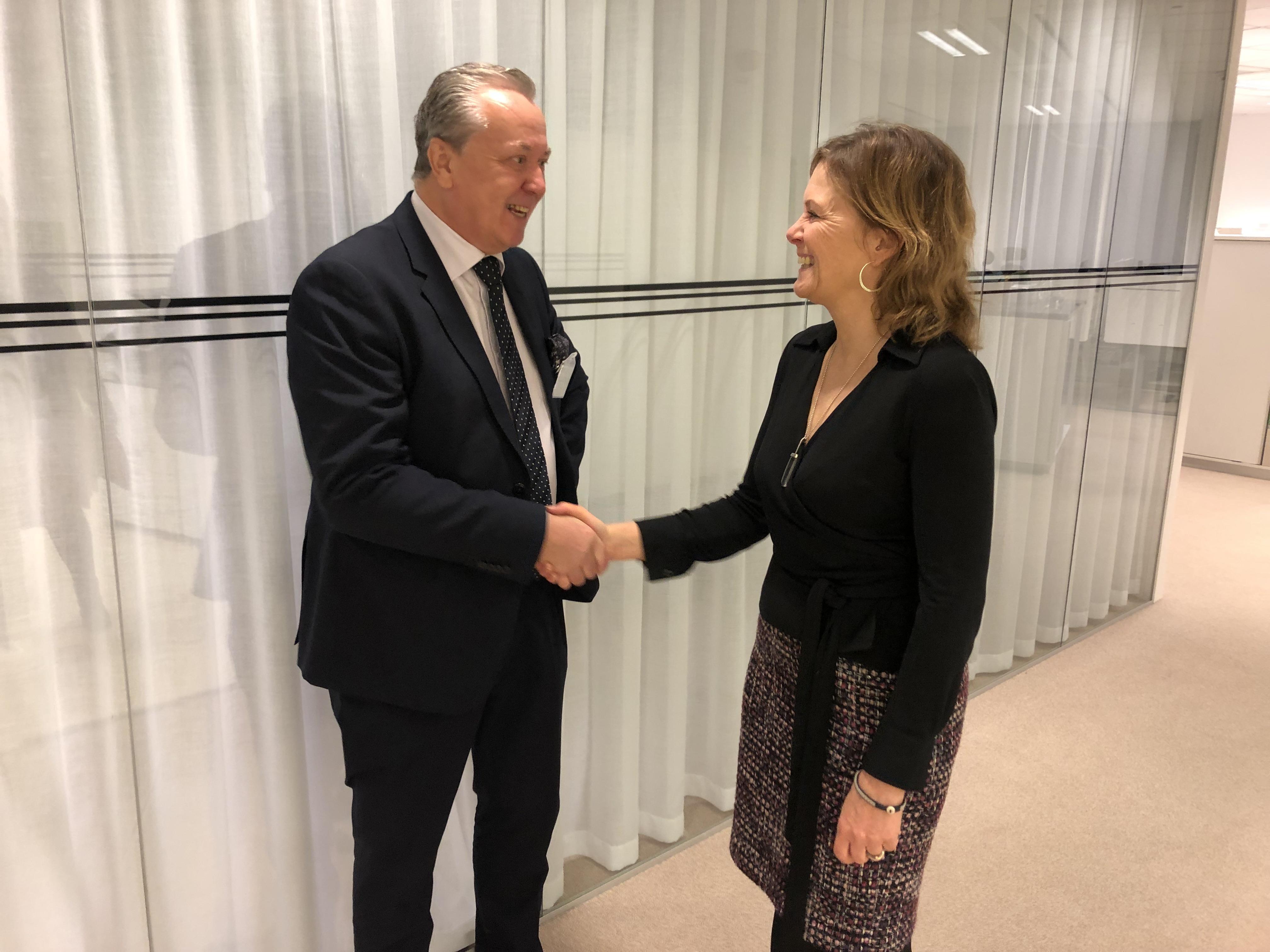 Dag Svensson, Vattenfall Services Nordic, och Lotta Medelius-Bredhe, Svenska kraftnät