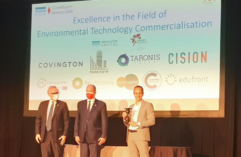 Mrten Hellberg receives the Clean Equity Award by HSE Prince Albert II of Monaco
