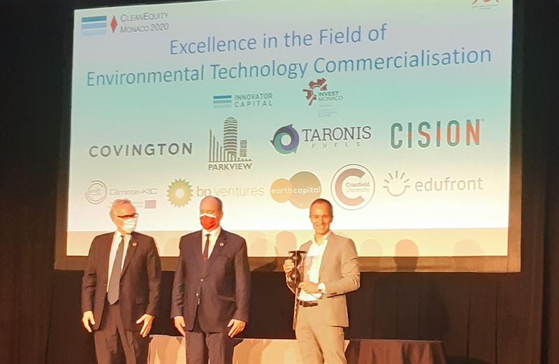 Mrten Hellberg receives the Clean Equity Award by HSE Prince Albert II of Monaco
