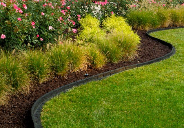 Rubberific debuts new premium landscape edging for Mulch border ideas