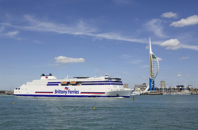 Stena RoRo places an order for a further newbuild and signs a 10