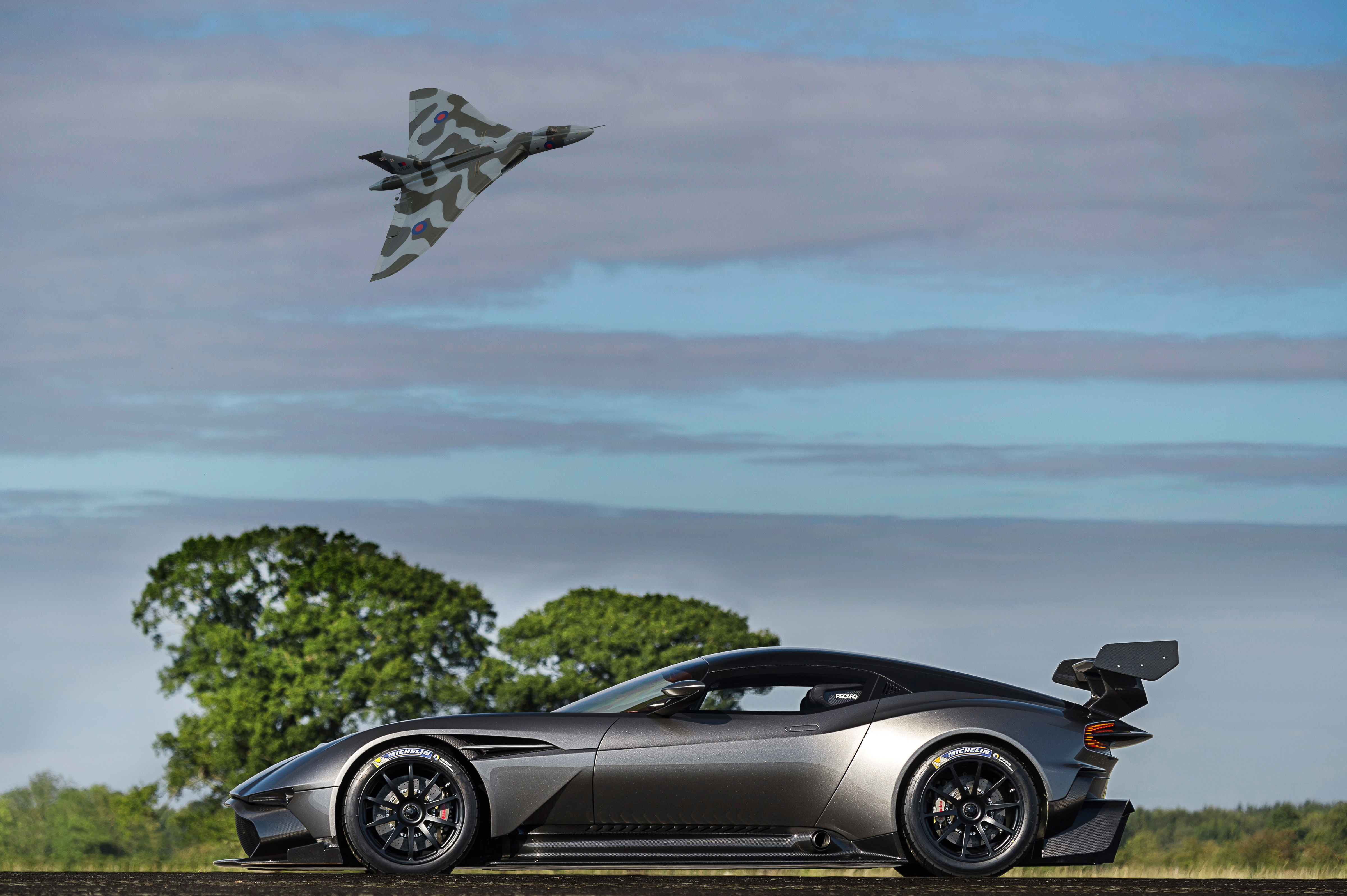 Vulcan Xh558 Met The Aston Martin Vulcan The Name Of Which Was Inspired By The Aircraft S Flight Over Aston Martin Headquarters Last Year Market Engineering