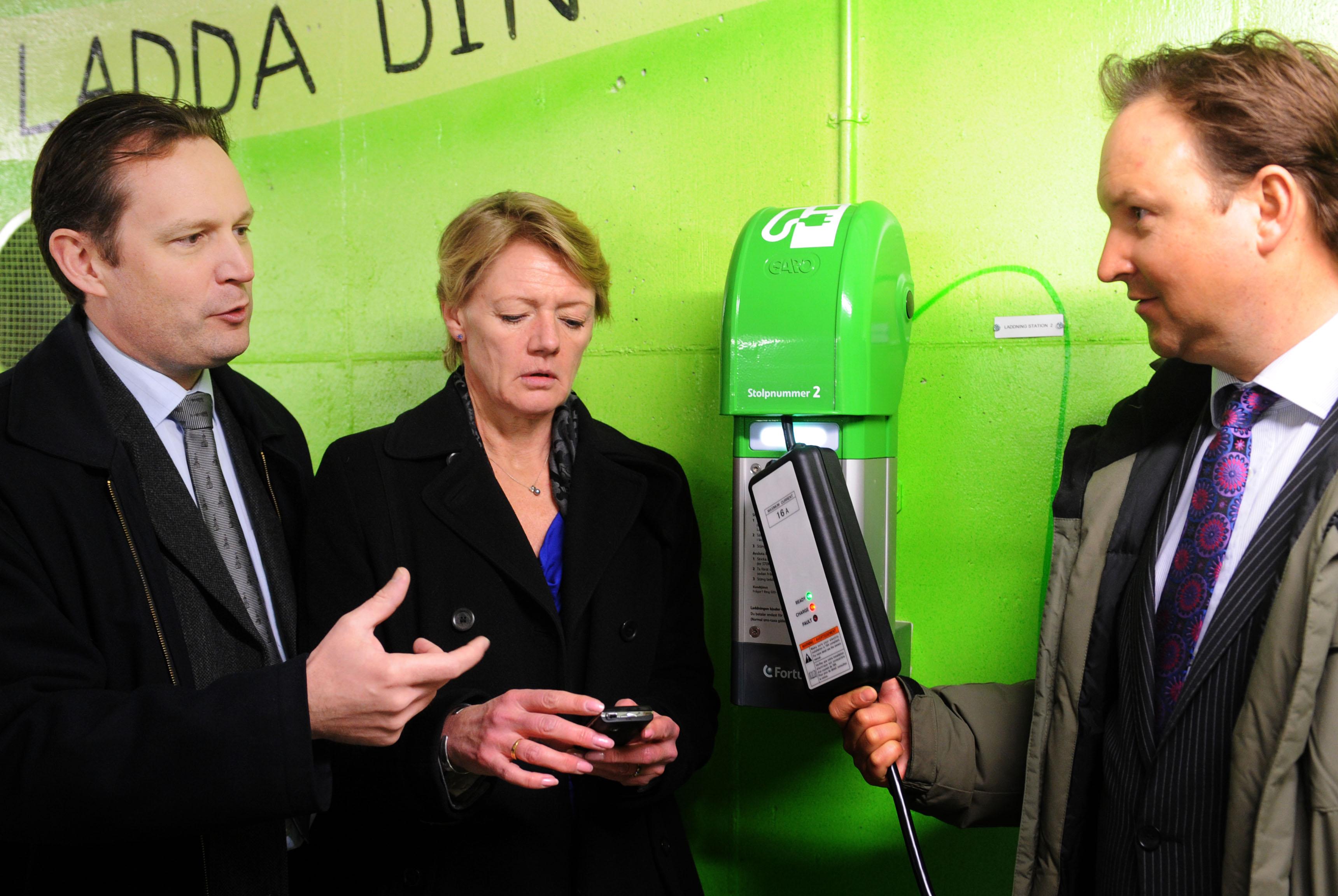 Invigning av mobilkontrollerade laddstolpar, P-hus Vartofta, Södermalm