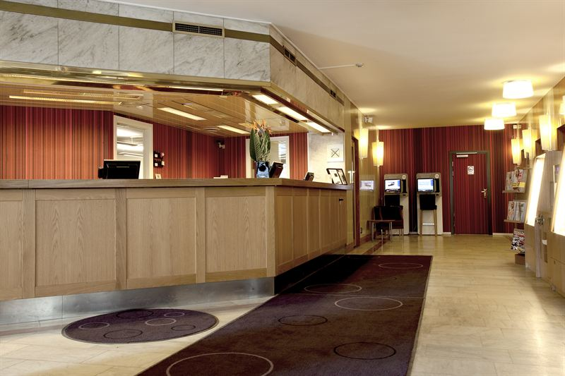 Scandic Continental lobby reception